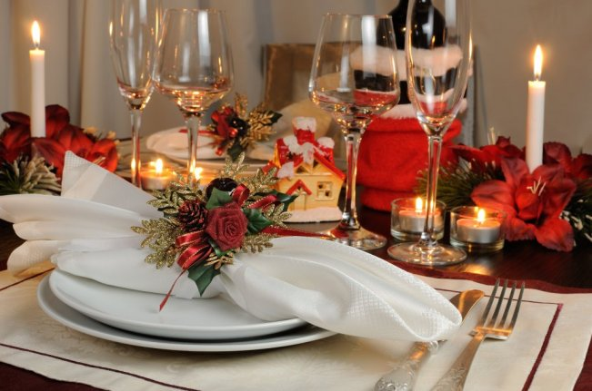 christmas tablescape - pointsettia