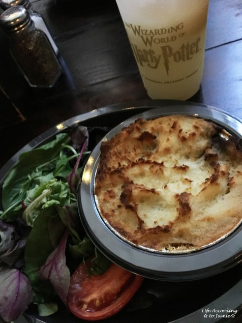 Wizarding World of Harry Potter - Leaky Cauldron - Cottage Pie