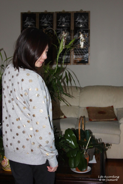 Gold Snowflake Sweatshirt 10