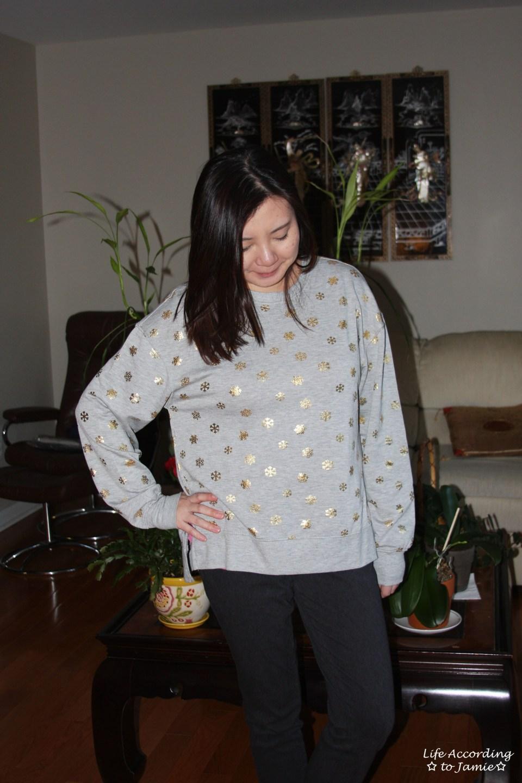 Gold Snowflake Sweatshirt 5