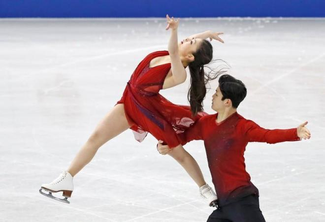 FILE PHOTO: Figure Ice Skating - ISU Grand Prix of Figure Skating Final - Ice Dance Free Dance