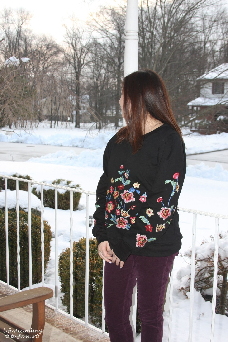 Floral Embroidered Sweatshirt 10