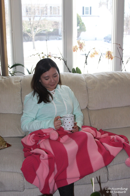 Pink pompom blanket 1