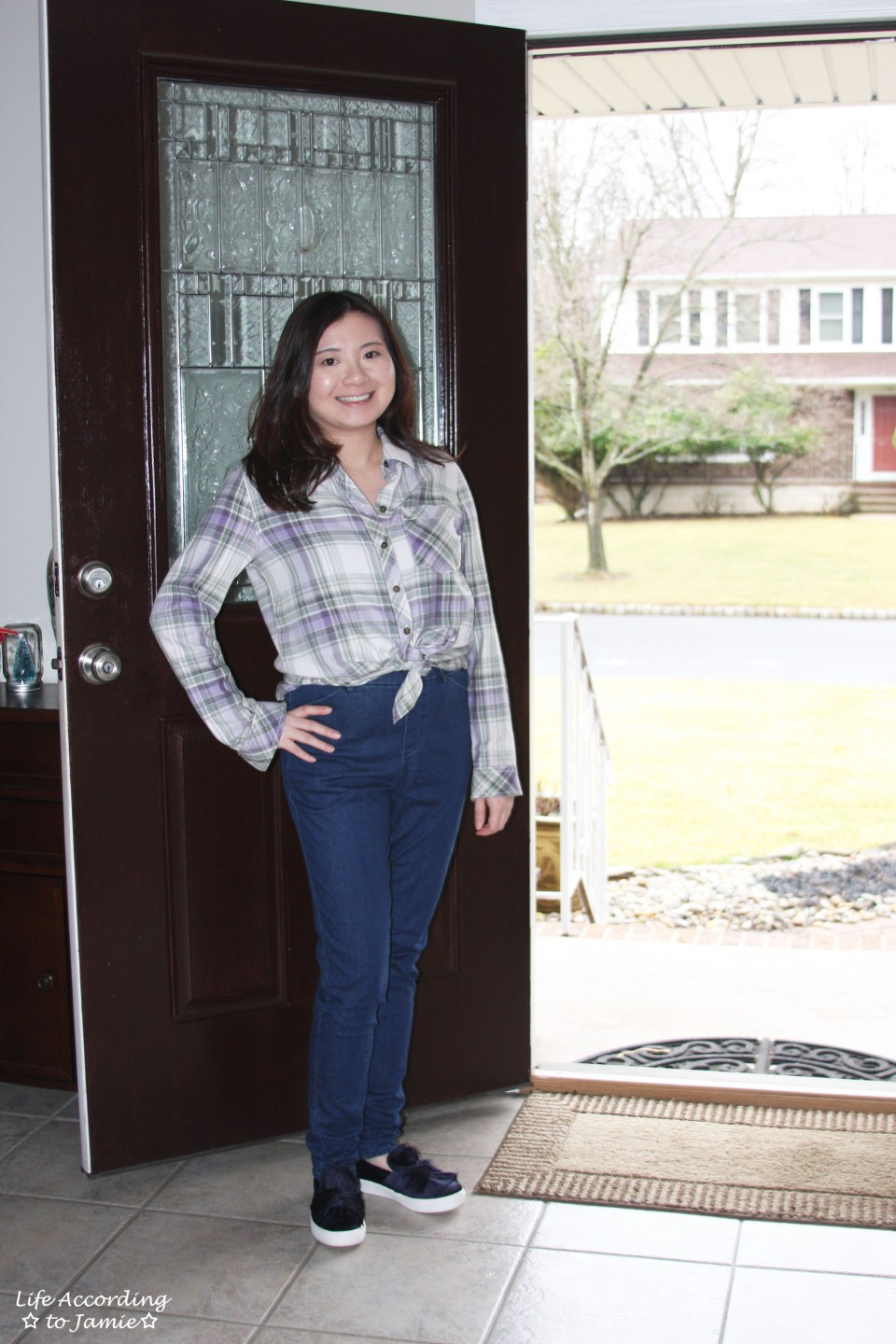 Tied Plaid Top + High Waisted Jeans 10