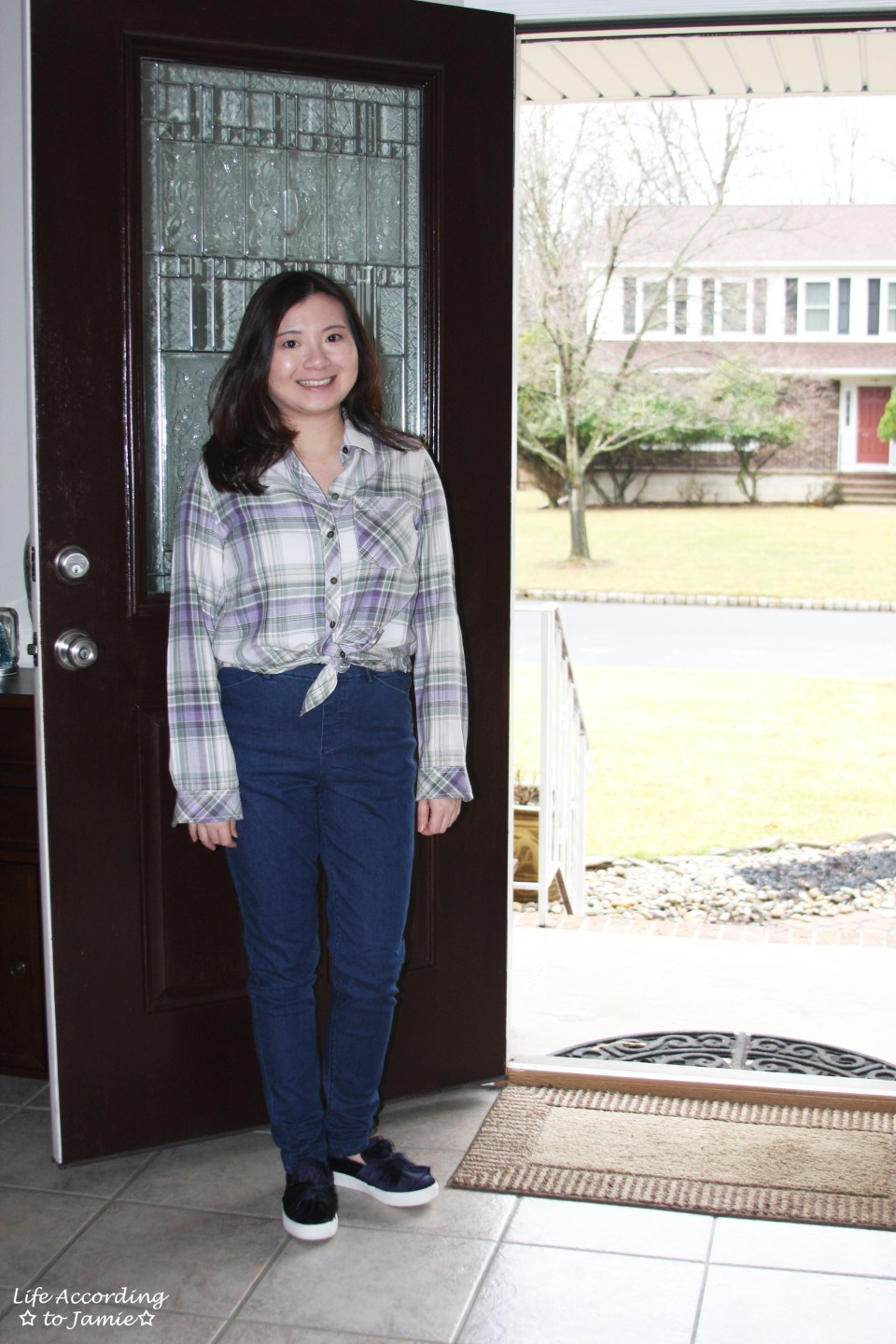 Tied Plaid Top + High Waisted Jeans 11