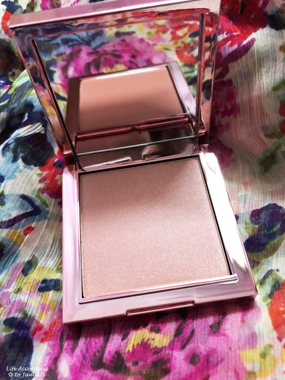 Christie Brinkley - Authentic Beauty Blush