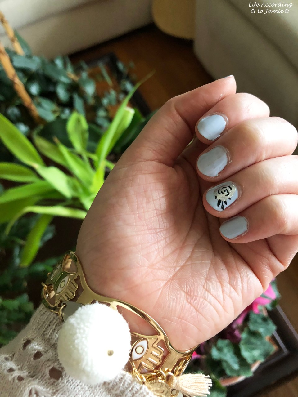 Nails - Silver Rose 1