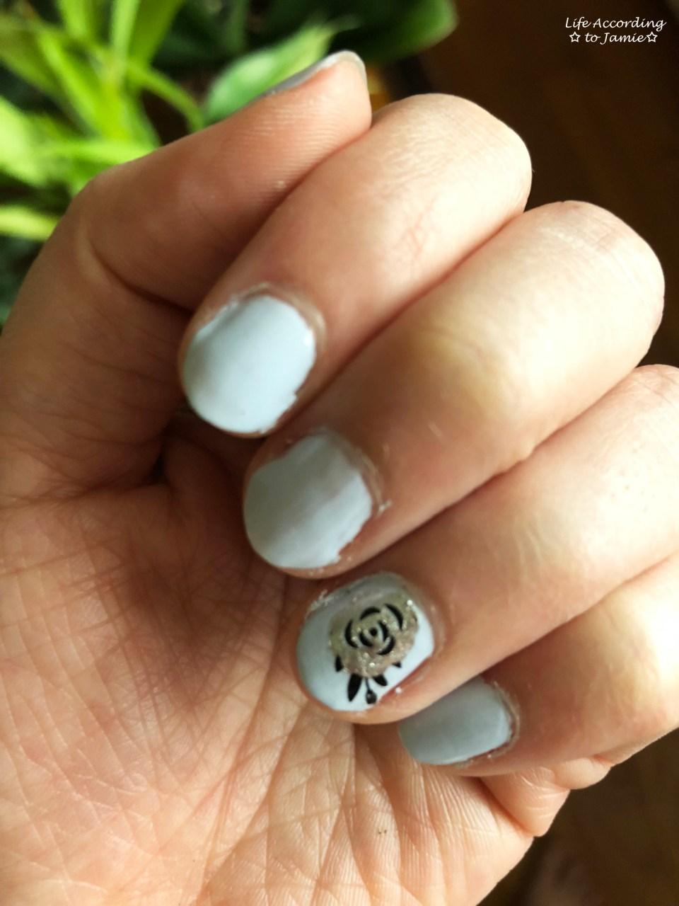 Nails - Silver Rose 2