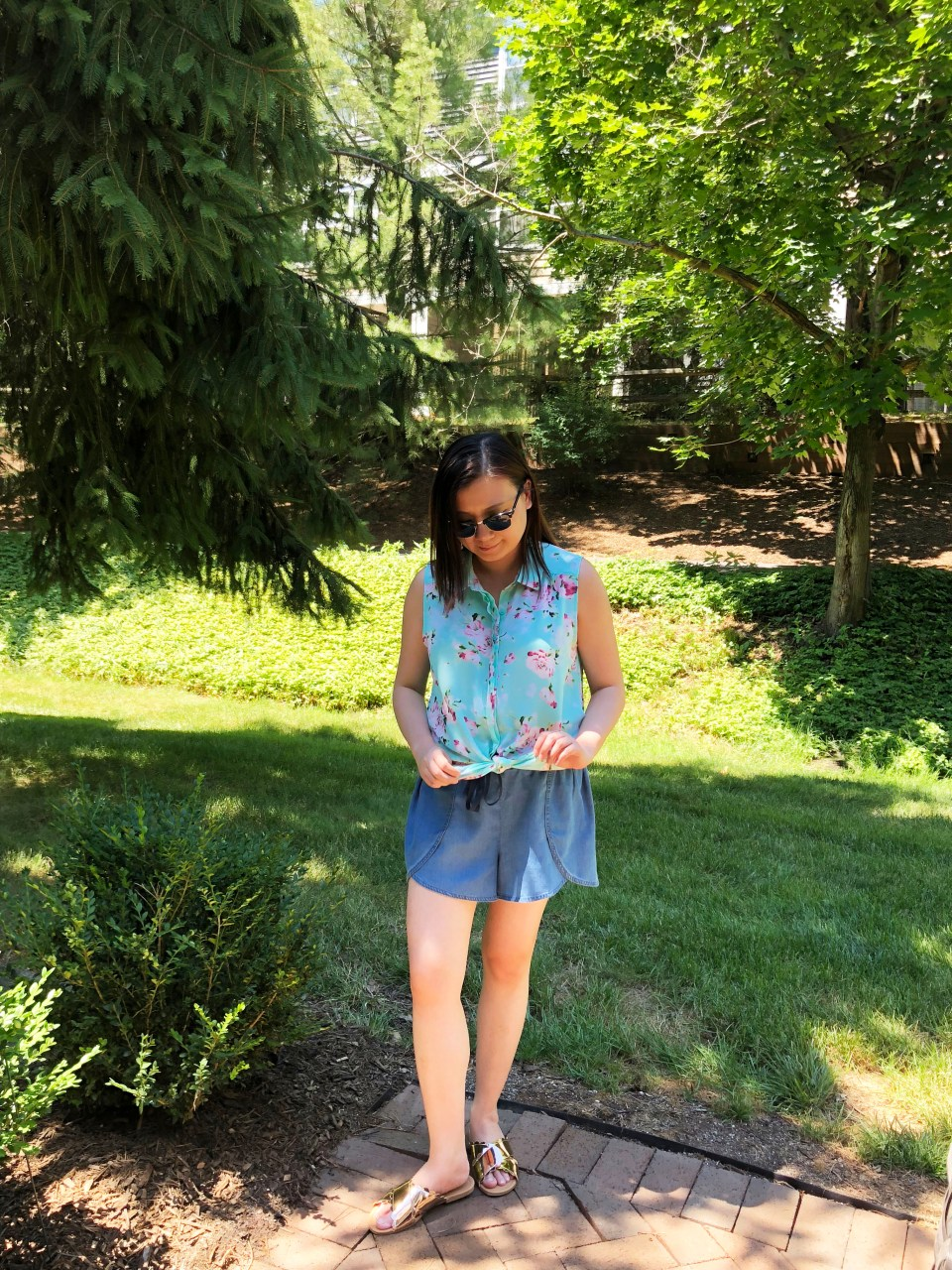 Floral Scalloped Trimmed Blouse + Tulip Shorts 8