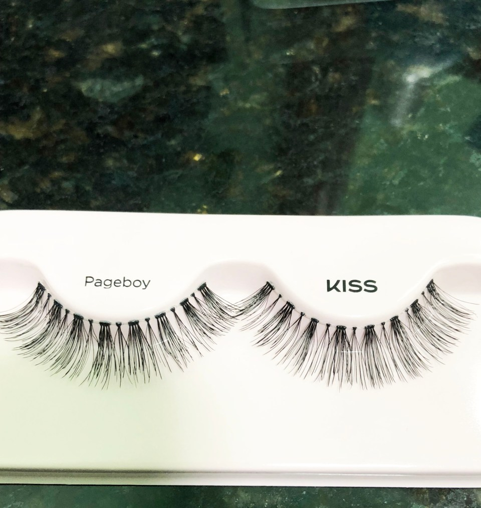 Kiss Blowout Lashes 1
