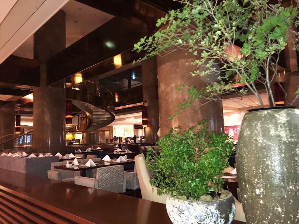 Hilton Tokyo lobby