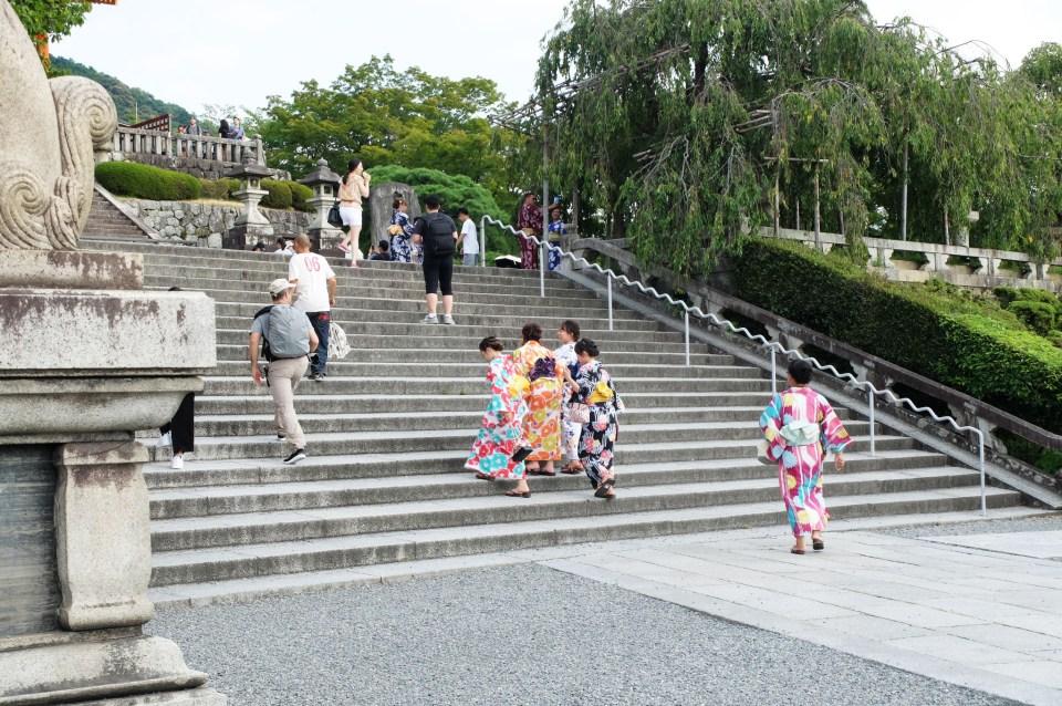 Kiyomizu Temple - Ladies in Kimono