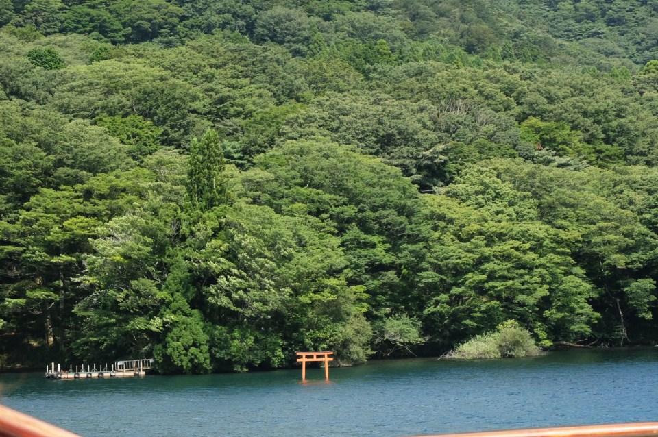 Lake Ashi - Torii gate