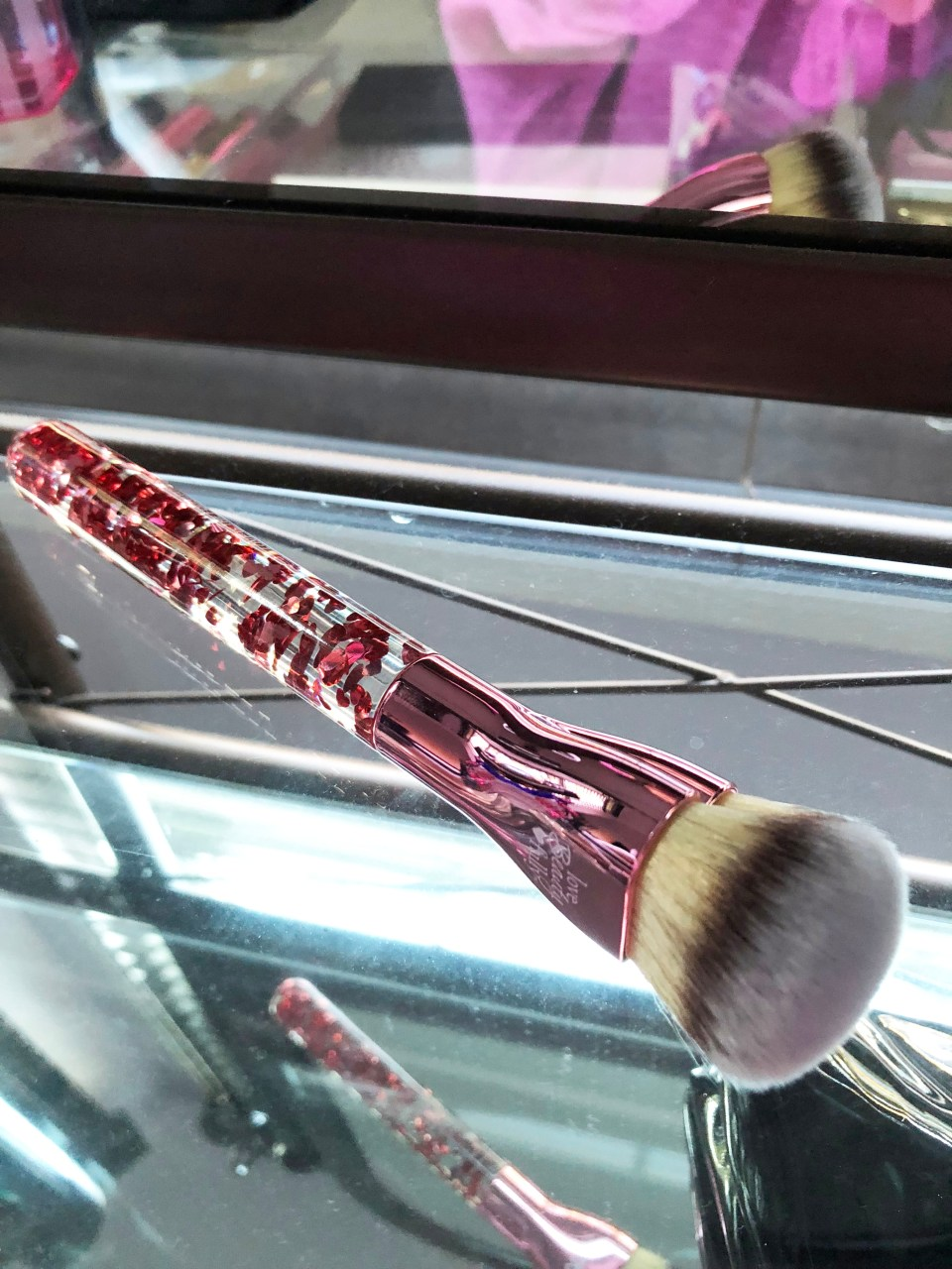 IT Cosmetics - Love is the foundation brush