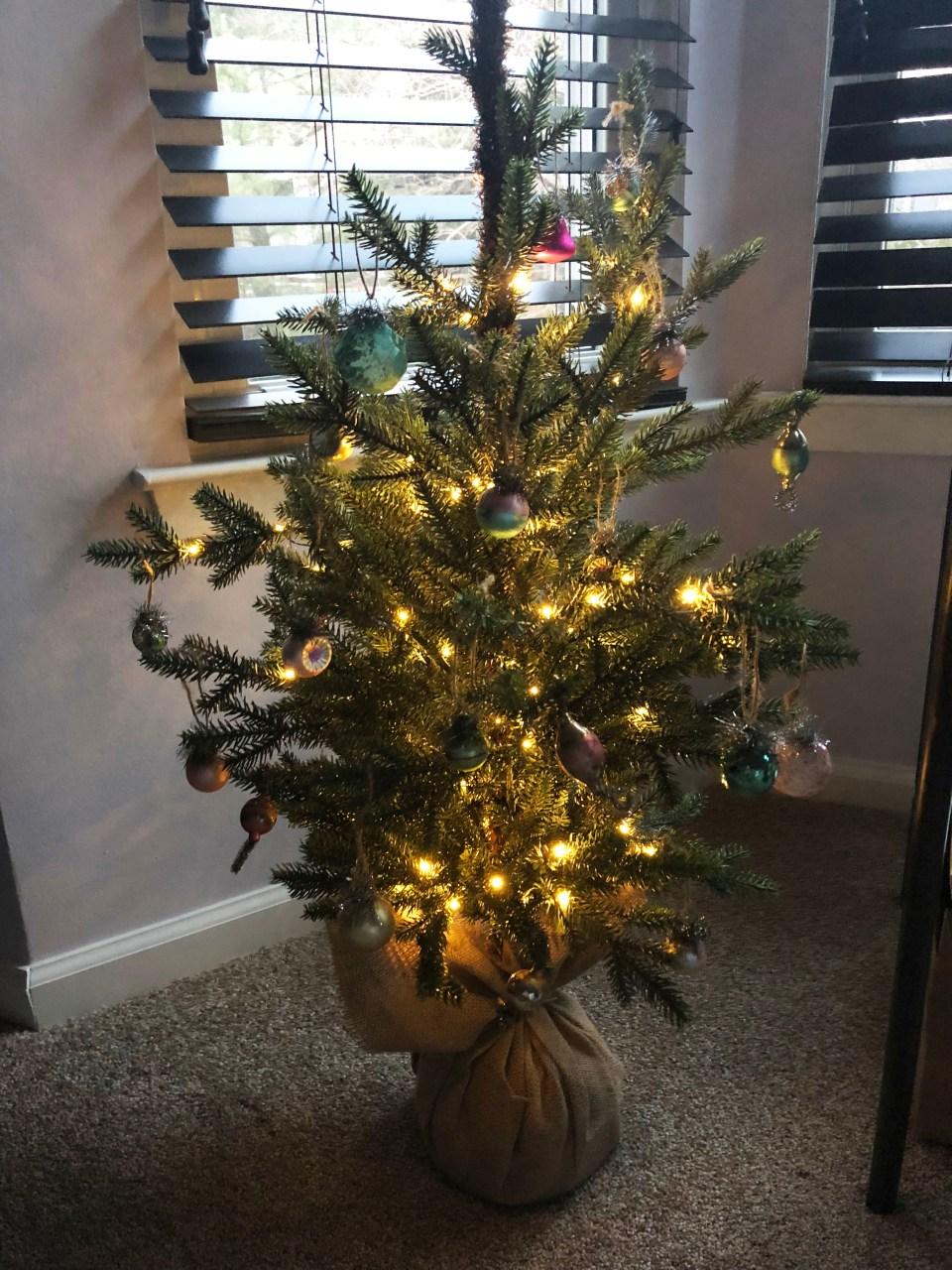 Mini Christmas Tree + Vintage Ornaments 6