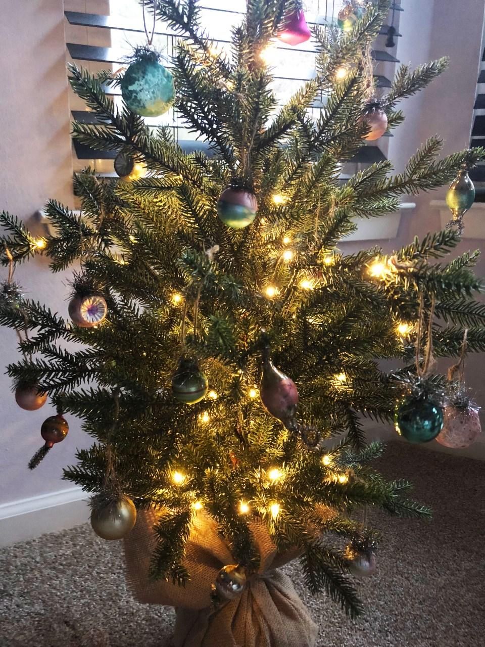 Mini Christmas Tree + Vintage Ornaments 7