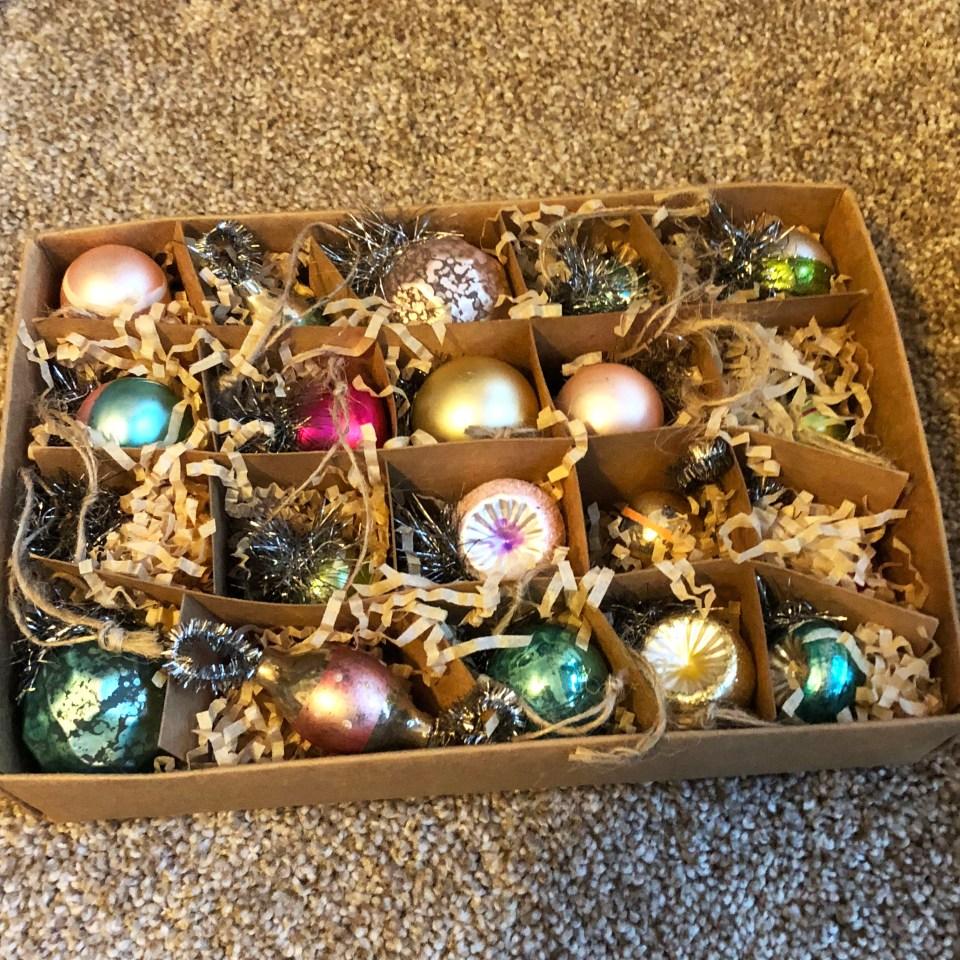 Mini Vintage Ornaments 1
