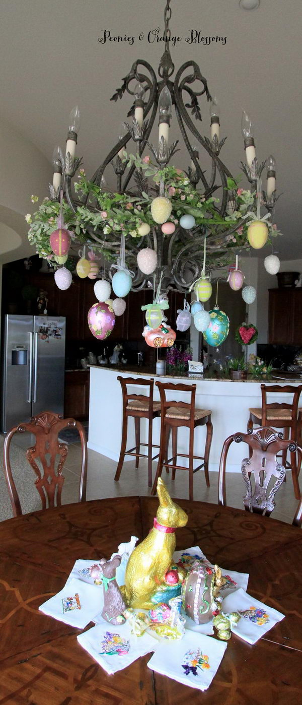 Chandelier-Decorated-With-Easter-Eggs.