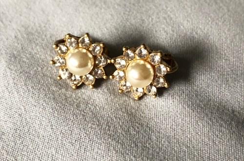 Pearl Sunburst Clip-Ons