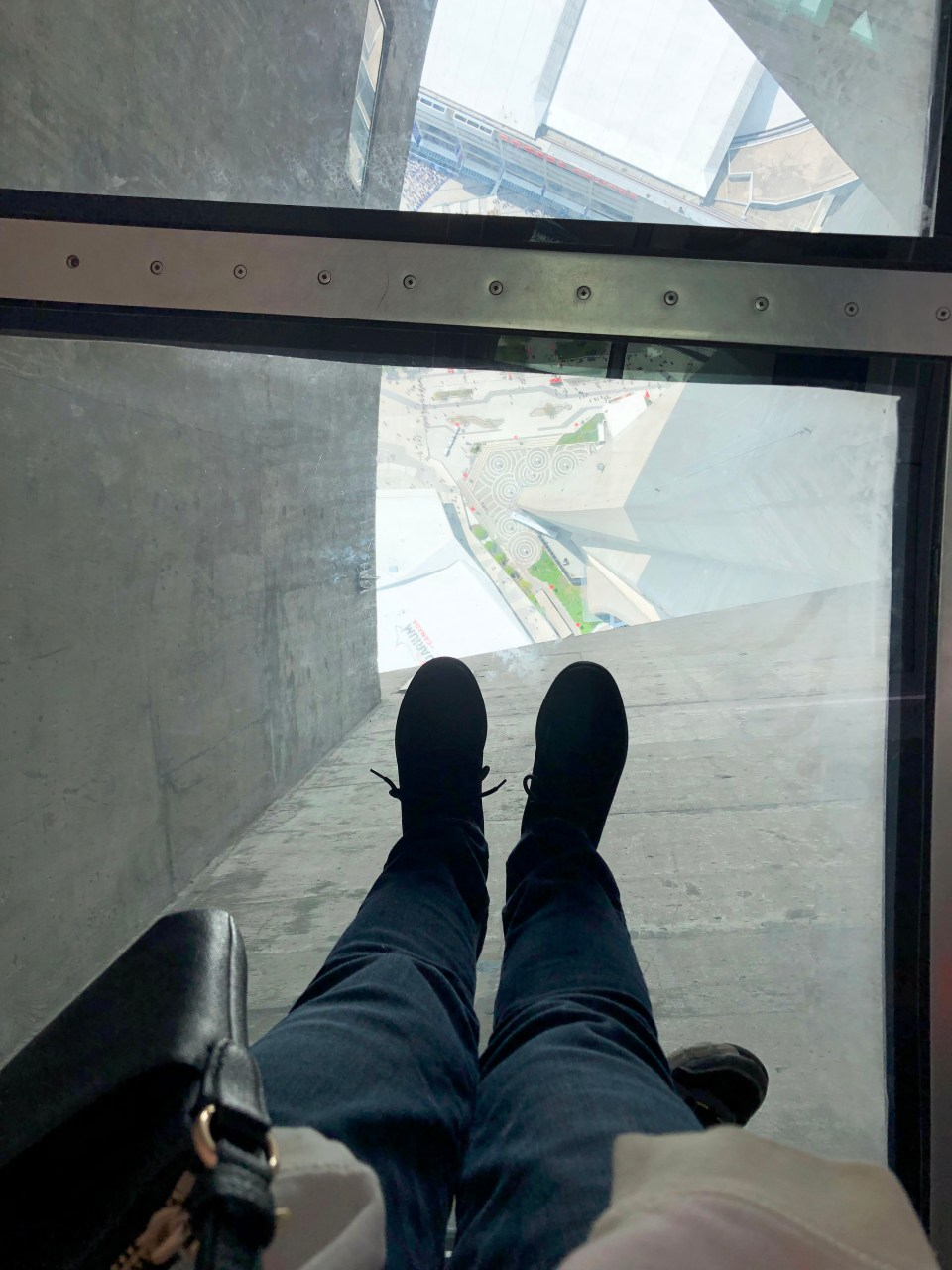 CN Tower - glass floor 1