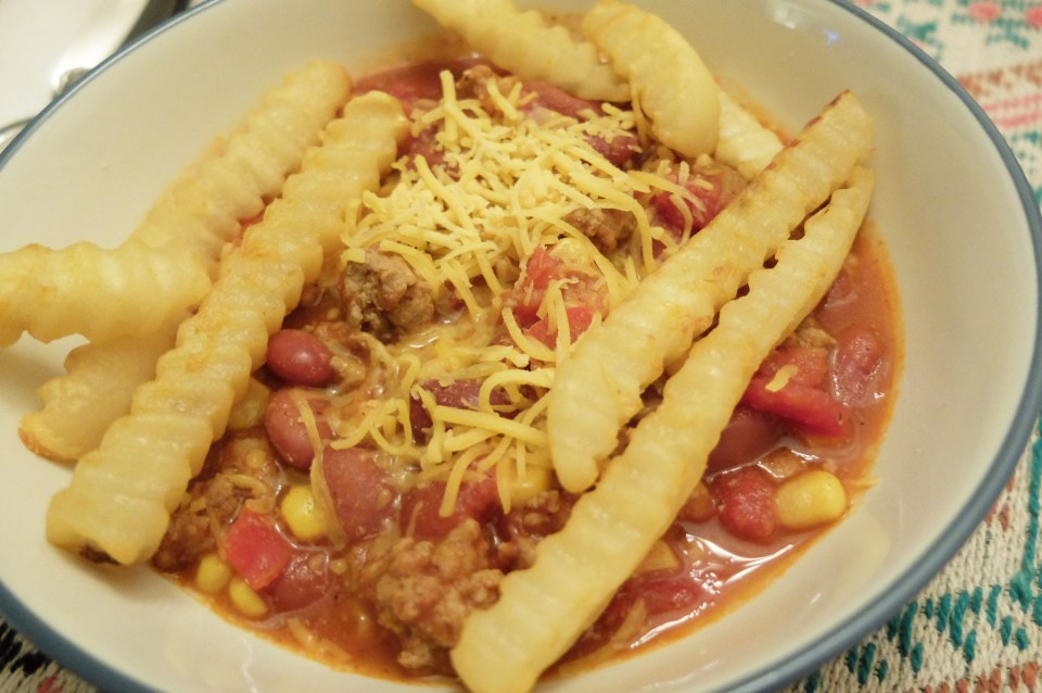 Turkey Chili + Crinkle Fries 11
