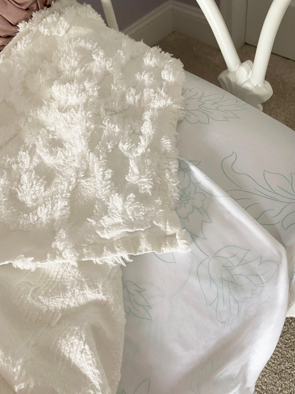 White Day Bed + Bedding 5