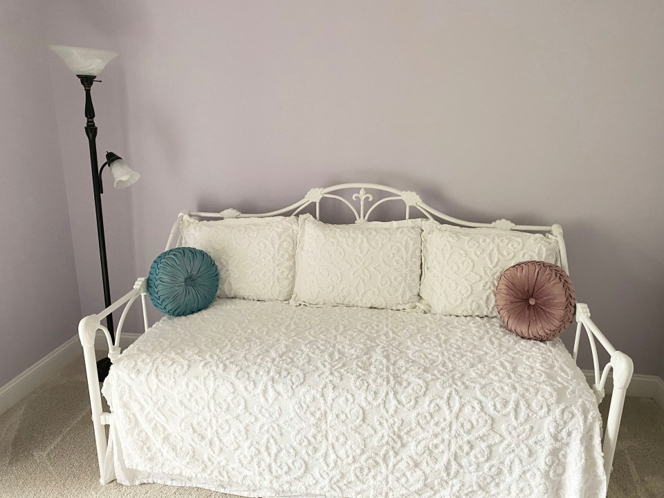White Day Bed + Bedding