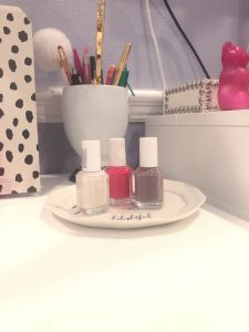 My 5 Perfect Nail Colors for Winter 3