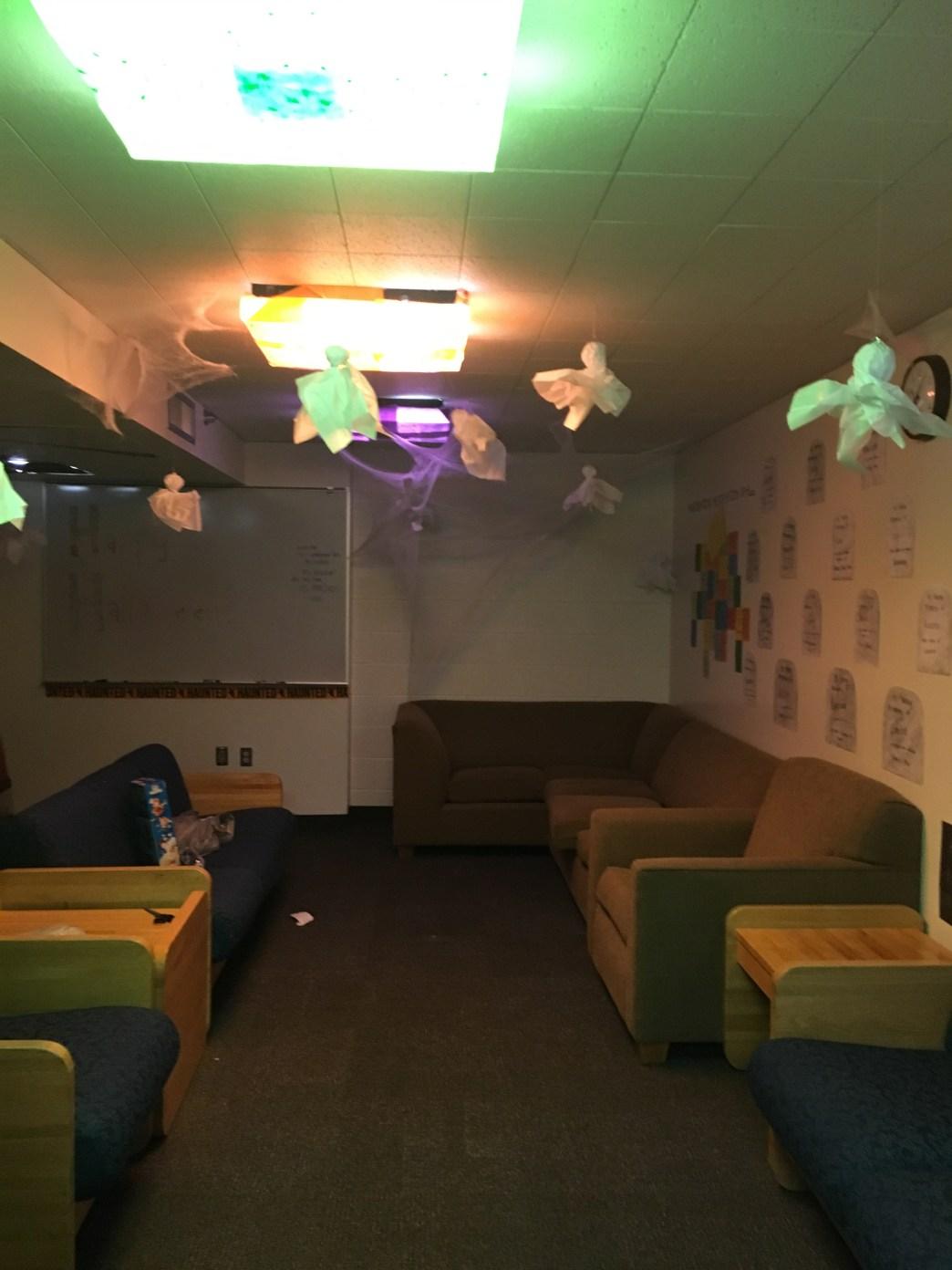 Hall Lounge Decorations 3