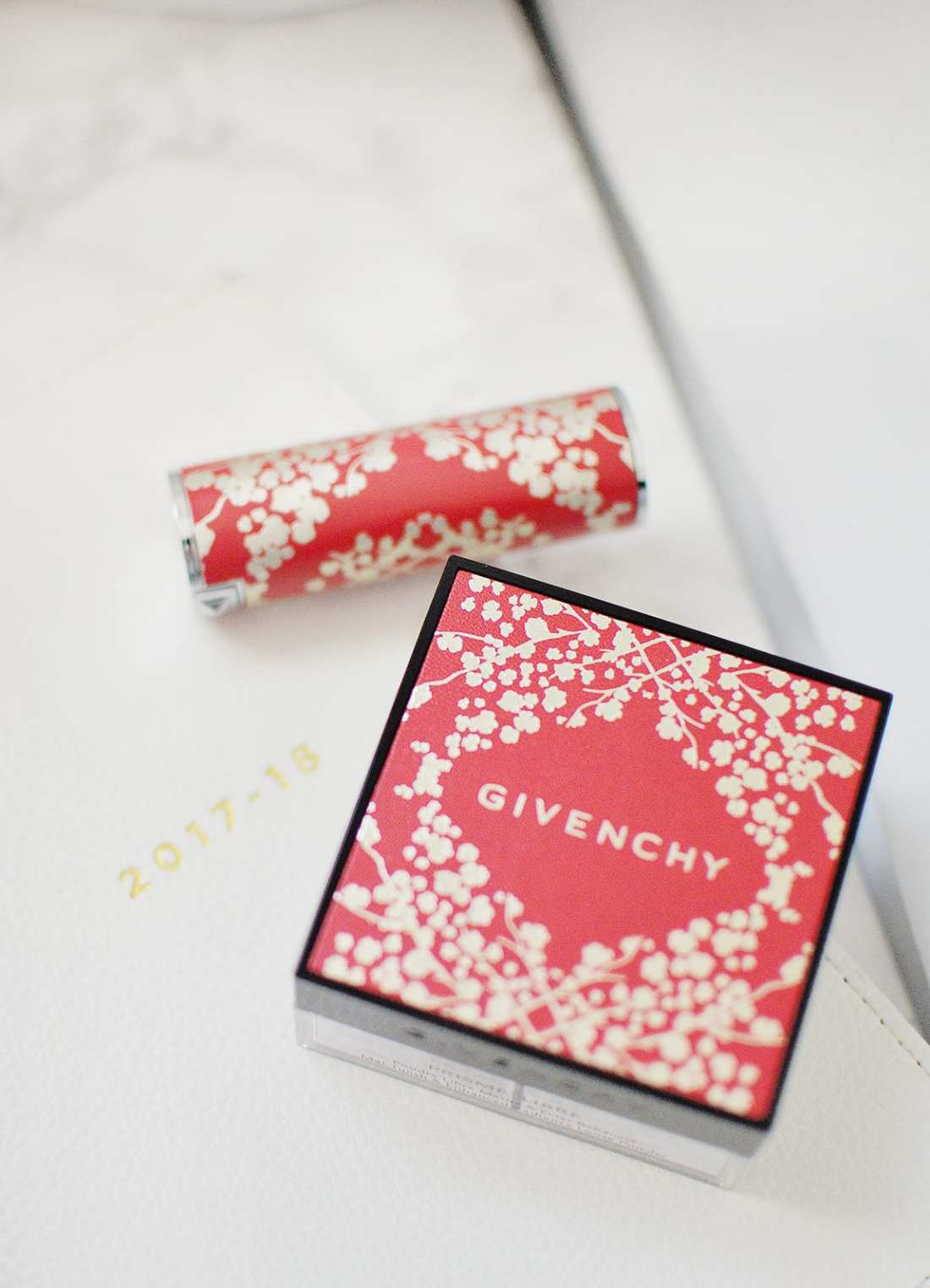 The Givenchy Lunar New Year 2018 collection features two products: a powder and lipstick! Every year, the packaging is updated this year's all about sakura!