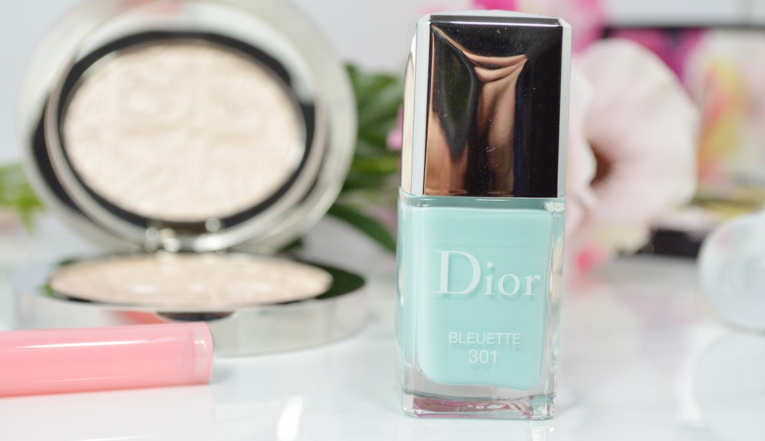 With the days getting shorter, and darker quicker, Dior is bringing Spring back with the Dior Glowing Gardens Spring 2016 collection!