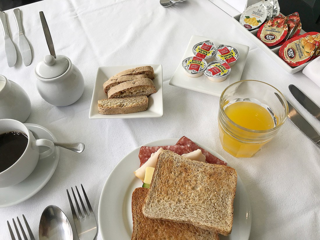 Delicious breakfast included in your rate at Orange Inn in Knysna! One of my favourite guesthouses I've ever stayed in!