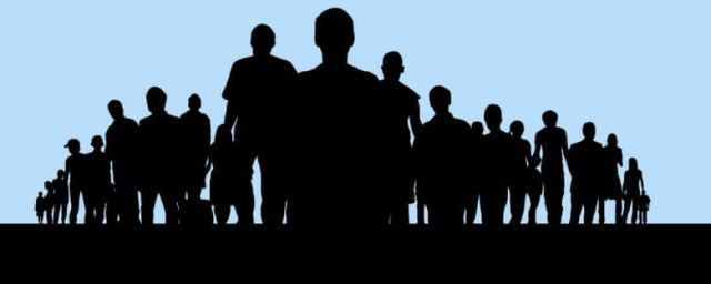 silhouettes-of-people-standing-780x312