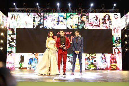 Janhvi, Rajkummar set Filmfare Middle East stage ablaze with their energy