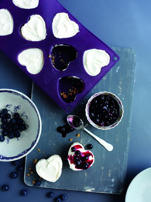 Mini blueberry cheesecakes rs