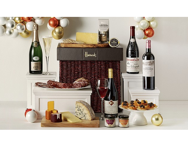 www.Lifeandsoullifestyle.com - Festive Hampers - Harrods The Knightsbridge