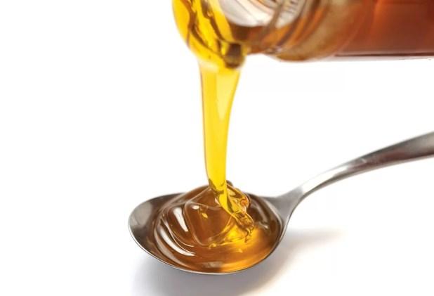 www.lifeandsoullifestyle.com - overnight Quaker oats recipe - spoon-full-of-honey