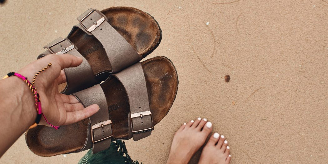 www.lifeandsoullifestyle.com – Tips to get your feet ready for summer