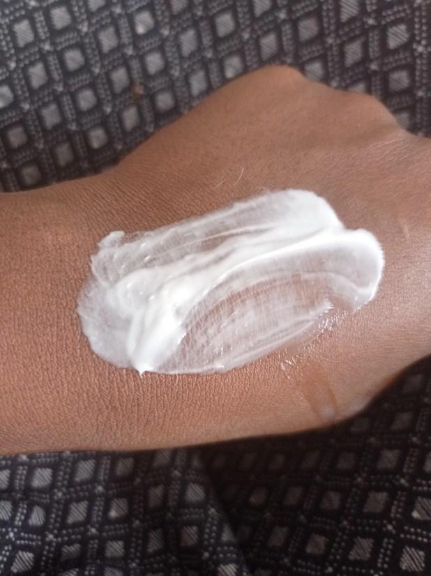 www.lifeandsoullifestyle.com - Serum-in-cream Youth Hand Cream