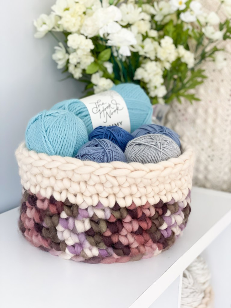How to make a chunky crochet storage basket!