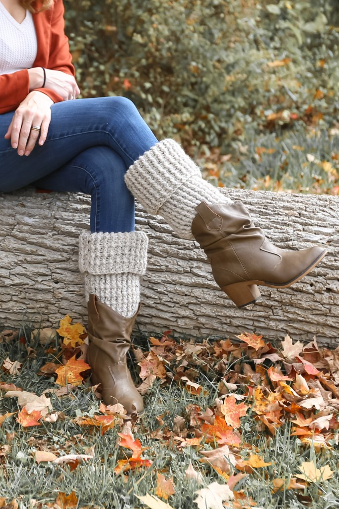 Fast beginner crochet leg warmers.