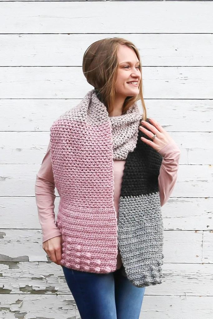 Color blocked free crochet scarf pattern.