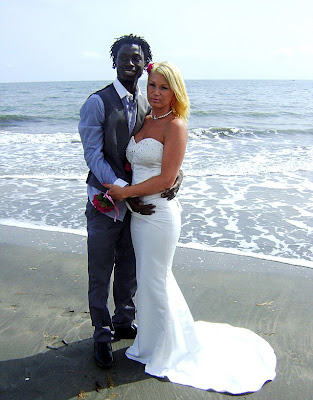 dell single hispanic girls Find dominican women & colombian girls for latin mail order brides latinromantic offers beautiful latina girls profiles for  albums of single women that are .