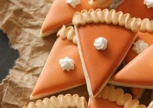 mini-pumpkin-pie-slice-cookies-close-up