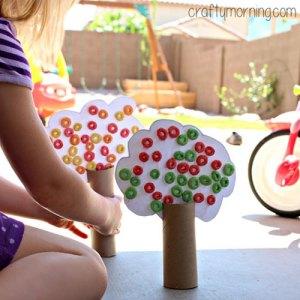 toilet-paper-roll-tree-craft-using-fruit-loops