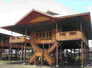 Rumah Pewaris - Rumah Adat  Sulawesi Utara