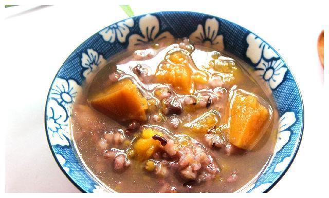 南瓜黑米粥