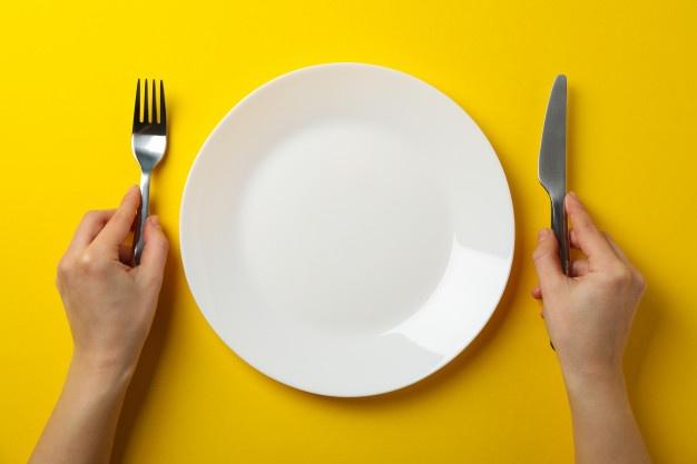 減肥總失敗?12 個騙人的方法別再上當了……不吃晚飯就能瘦