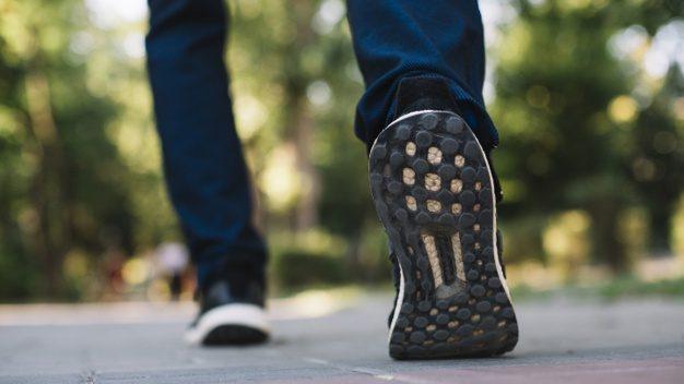 多走路就可以長壽!每天行7500步,快走30分鐘改善健康