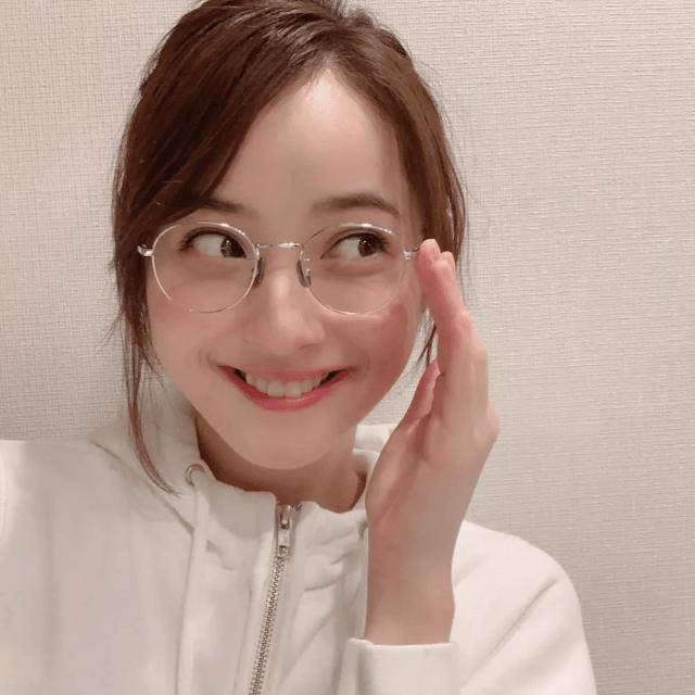 盤點10位日本眼鏡娘女藝人-佐佐木希